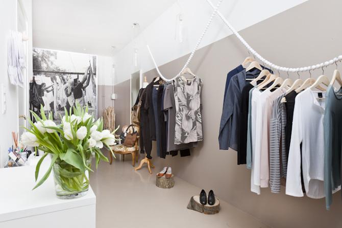 Awesome Small Boutique Interior Design Ideas Contemporary ...